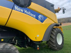 New Holland CX 8040 4WD Combine  2010