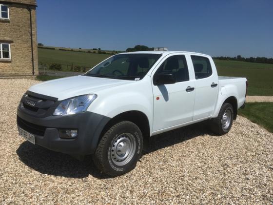 2015 Isuzu Double cab, 22000 miles, £10500 +vat