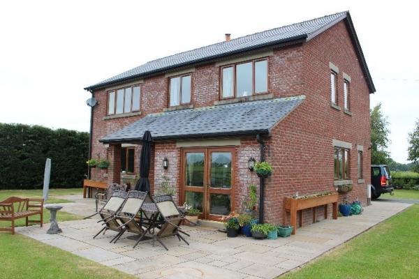 Sale by Informal Tender - Stanley Farm, Pinfold Lane, Sowerby, Preston, Lancashire PR3 0TX
