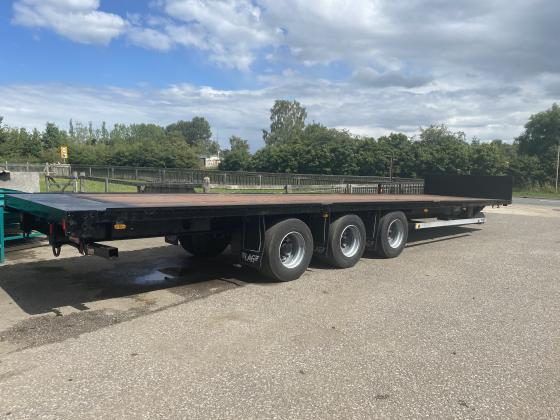 LAG 36FT LONG TRI-AXLE FLAT TRAILER