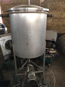 Stainless steel buffer tank with pump
